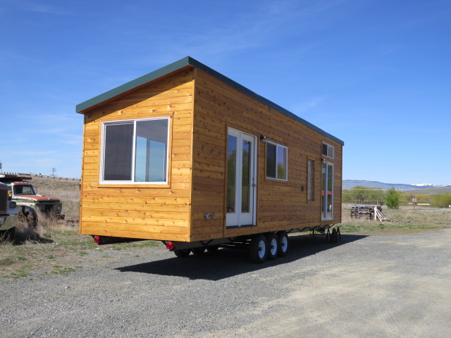Ayn, Rich's Portable Cabins