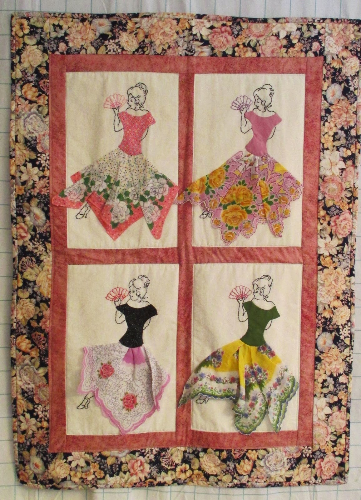 Hanky Quilt Pattern & Deerecountry Quilts : Pattern For Sunbonnet ... : handkerchief quilts instructions - Adamdwight.com
