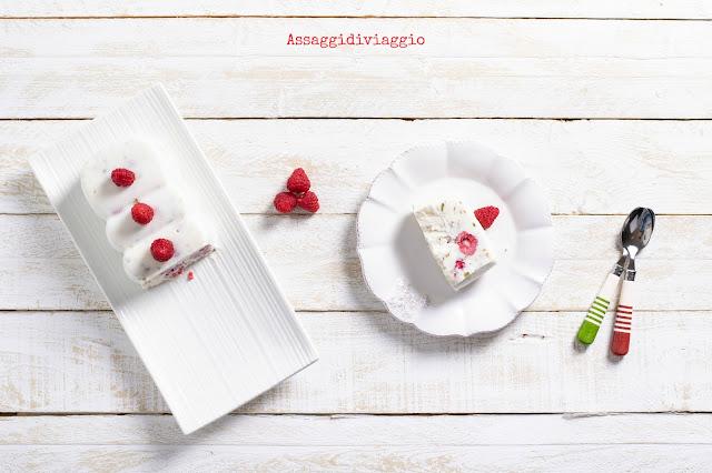 Mattonella yogurt, lamponi e pistacchi