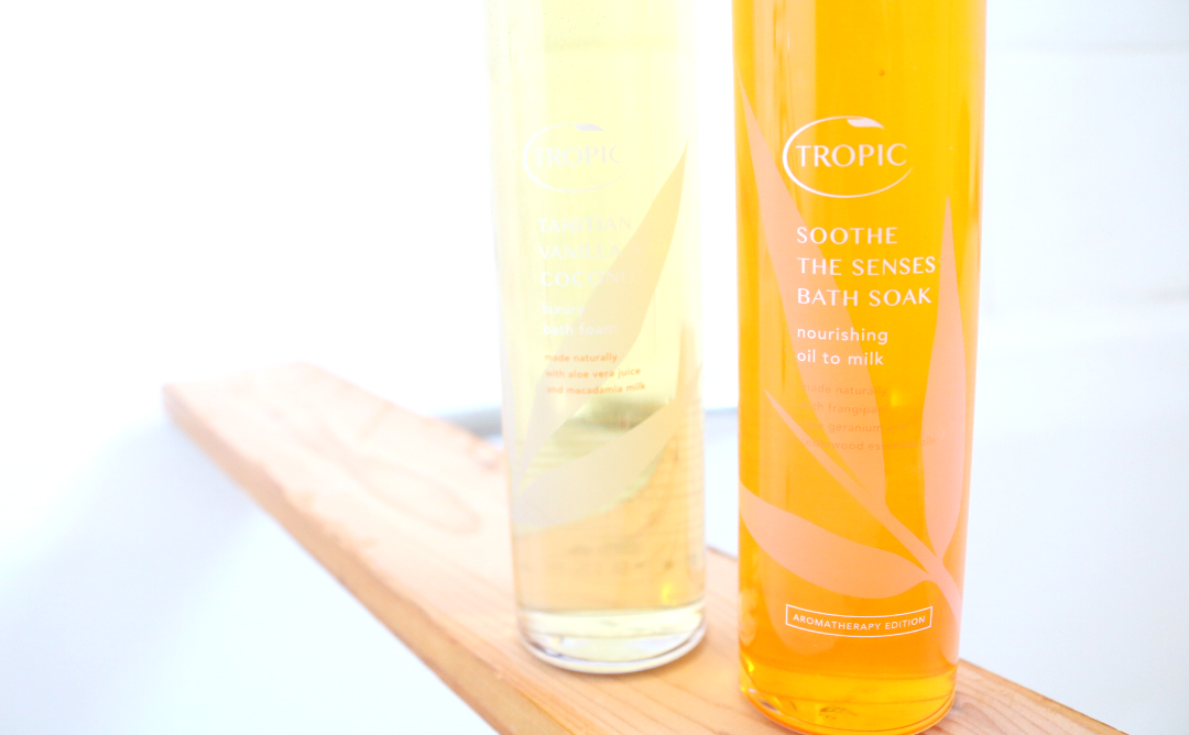 Tropic Tahitian Vanilla and Coconut Luxury Bath Foam & Soothe The Senses Bath Soak review