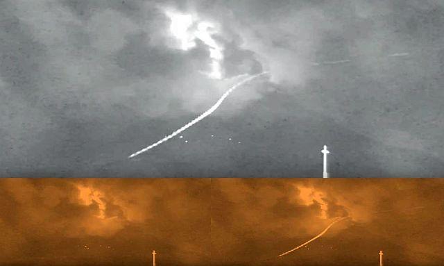 Unknown Entity flies at tremendous speed over the Popocatepetl Volcano UFO%2B%2Btremendous%2Bspeed%2BPopocatepetl%2BVolcano