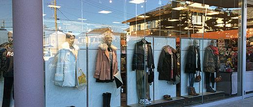 ファッションセンターしまむら市野店ディスプレイ(2013年12月21日撮影)