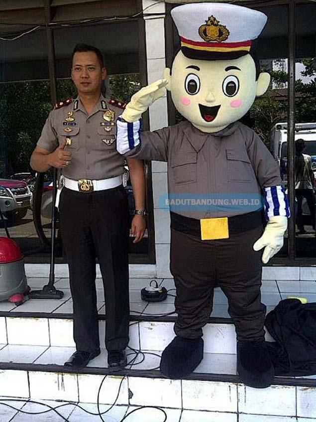 Badut polantas maskot polisi jabar