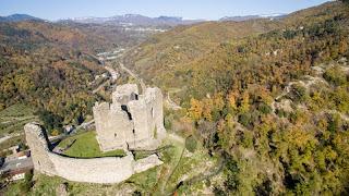 Visuale dalla Rocca di Cerbaia verso la Val di Bisenzio