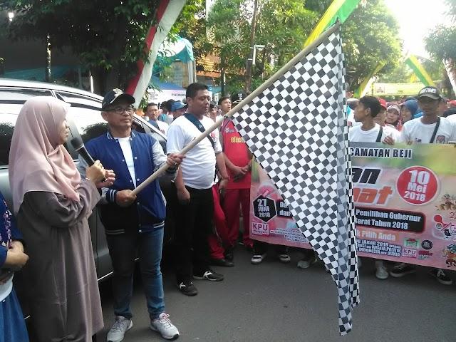 Teungku Farida Lepas Ratusan Peserta Jalan Santai Kecamatan Beji