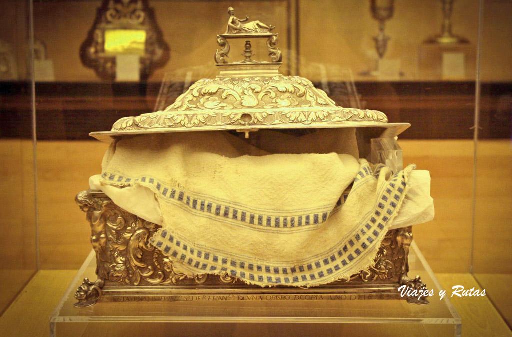 El sagrado Mantel de la catedral de Coria