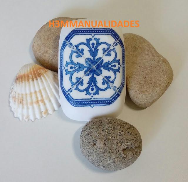jabón-decorado-decoupage-azul