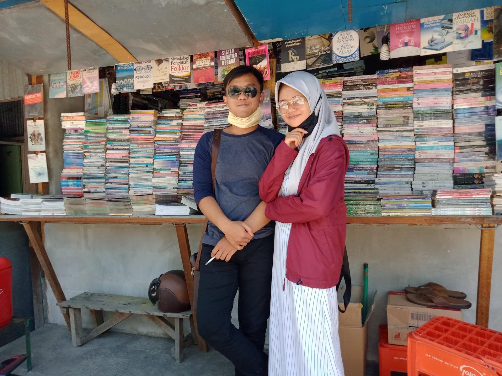 Toko Buku Belakang Stadion Diponegoro Semarang