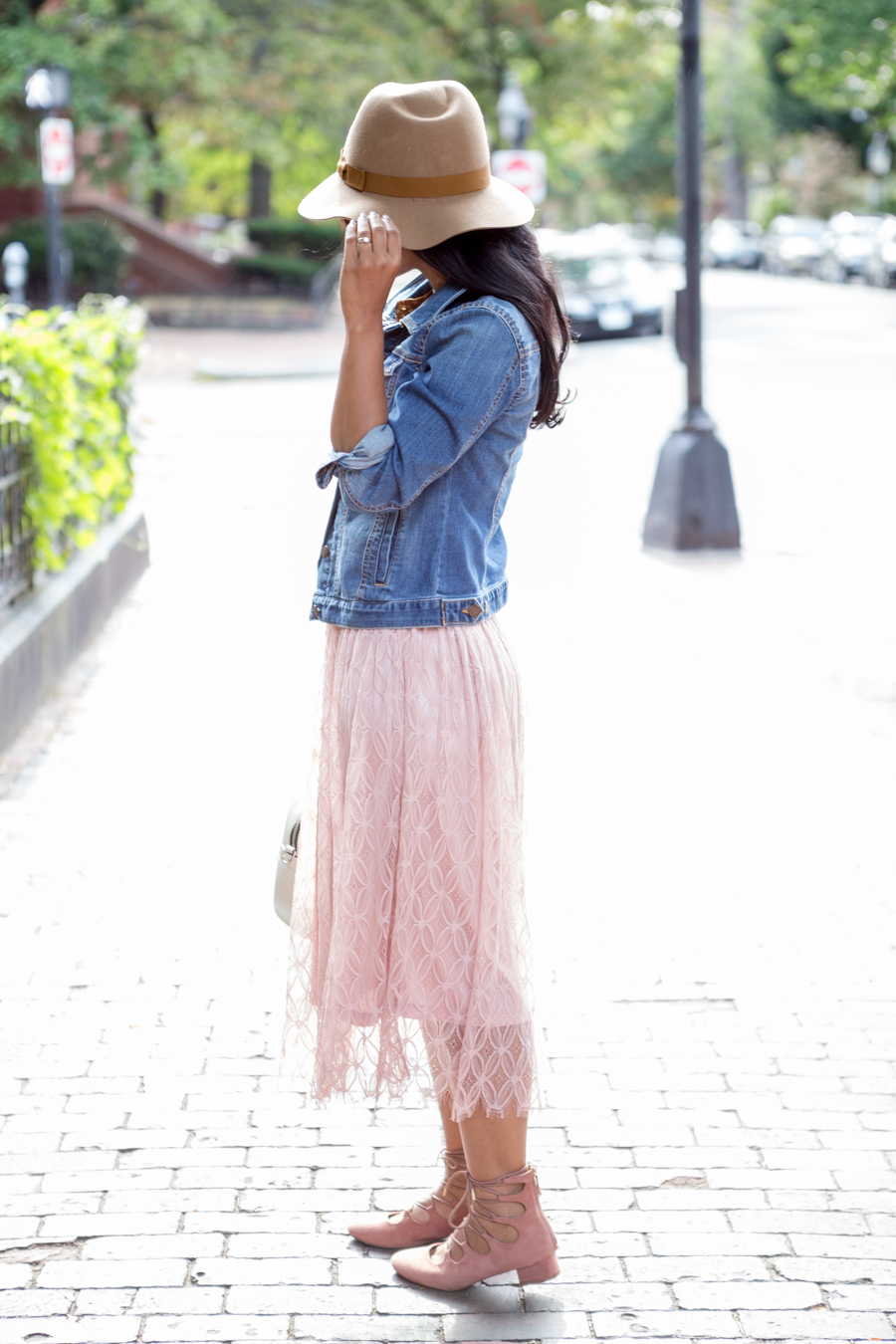 Fall Style Pink Lace Skirt and Lace-Up Shoes