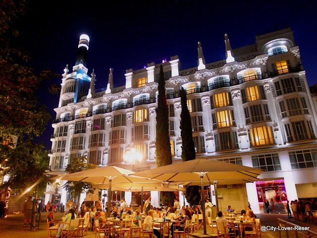 Madrid - mysiga torget Santa Ana