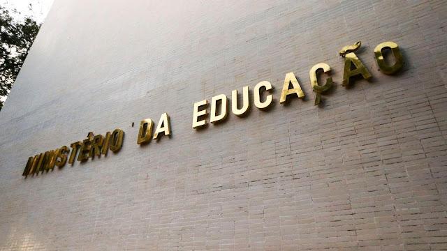 MEC abre 40 mil novas vagas em curso online para professor de alfabetização