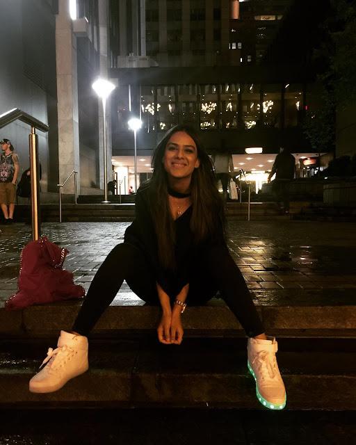 Asia's Third Sexiest Women Nia Sharma Hot Photos Navel Queens