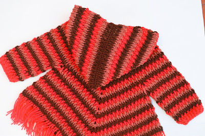 4 - Crochet Imagen Capucha para poncho de otoño a crochet por Majovel Crochet