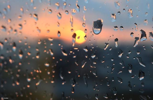 Hujan dan Senja Tanah Rantau