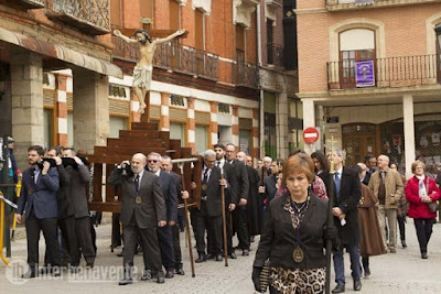http://interbenavente.es/not/15945/el-recorrido-del-cristo-de-los-afligidos-por-primera-vez-en-el-progama-de-actos/