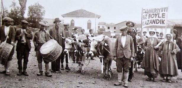 eski cumhuriyet bayramı kutlamaları ile ilgili görsel sonucu