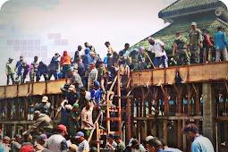 Umat Kristen dan TNI Bantu Pembangunan Masjid Terbesar di Wamena