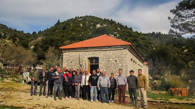 Εθελοντική δράση του συλλόγου Ελαταριάς για την αναστήλωση - επισκευή του παλιού σχολείου