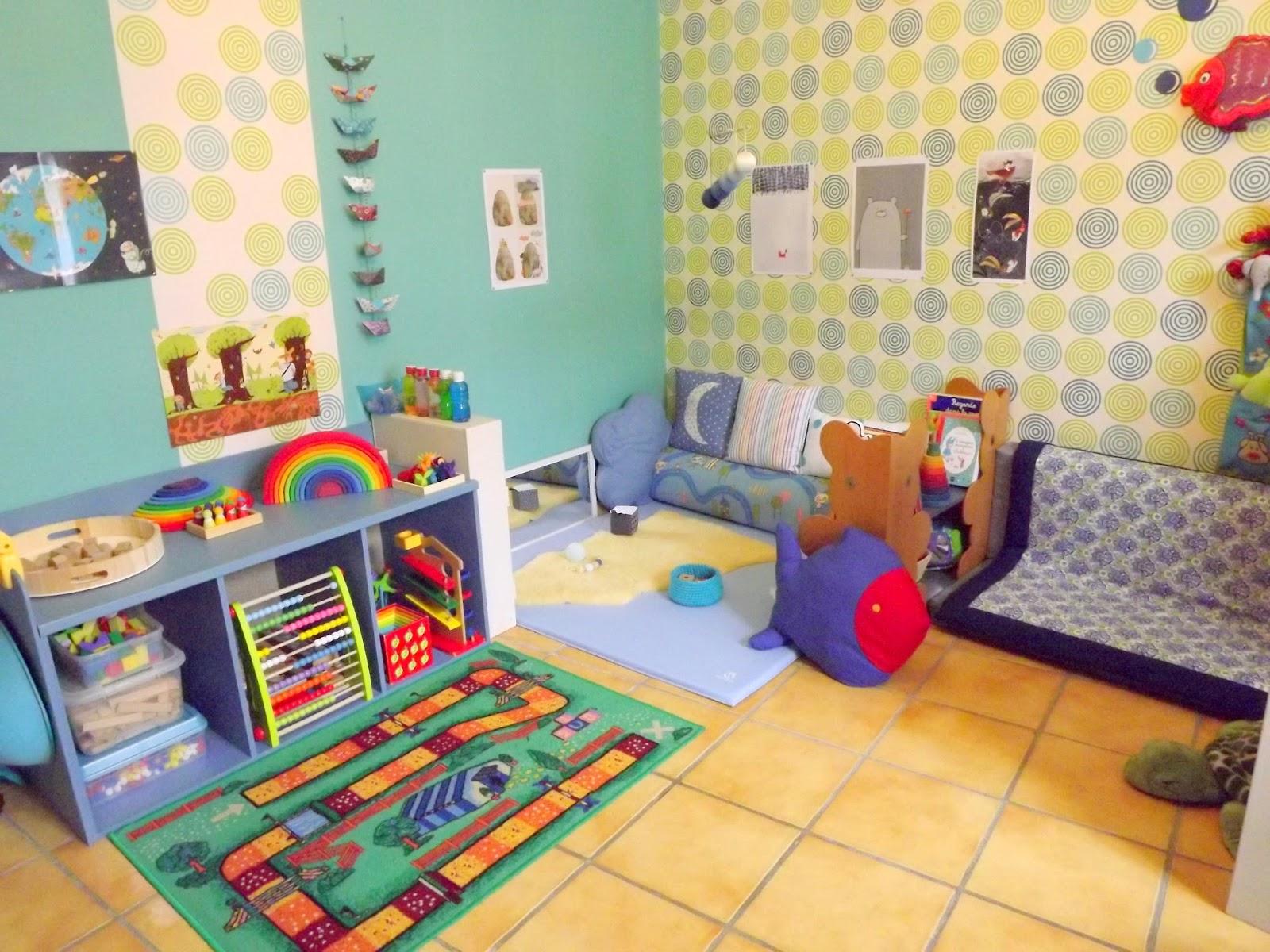 f e au marais dans ma salle de jeux il y a un espace nido pour les tout petits. Black Bedroom Furniture Sets. Home Design Ideas