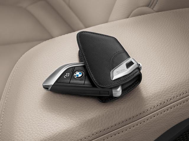 BMW lança linha de acessórios para o X2