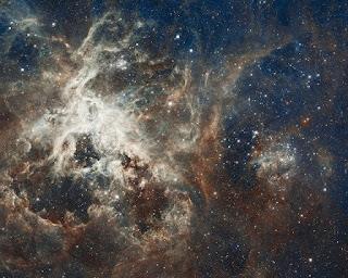 Como é o ciclo de vida de uma estrela?