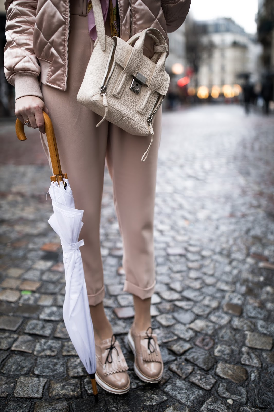 head to toe beige pink spring outfit
