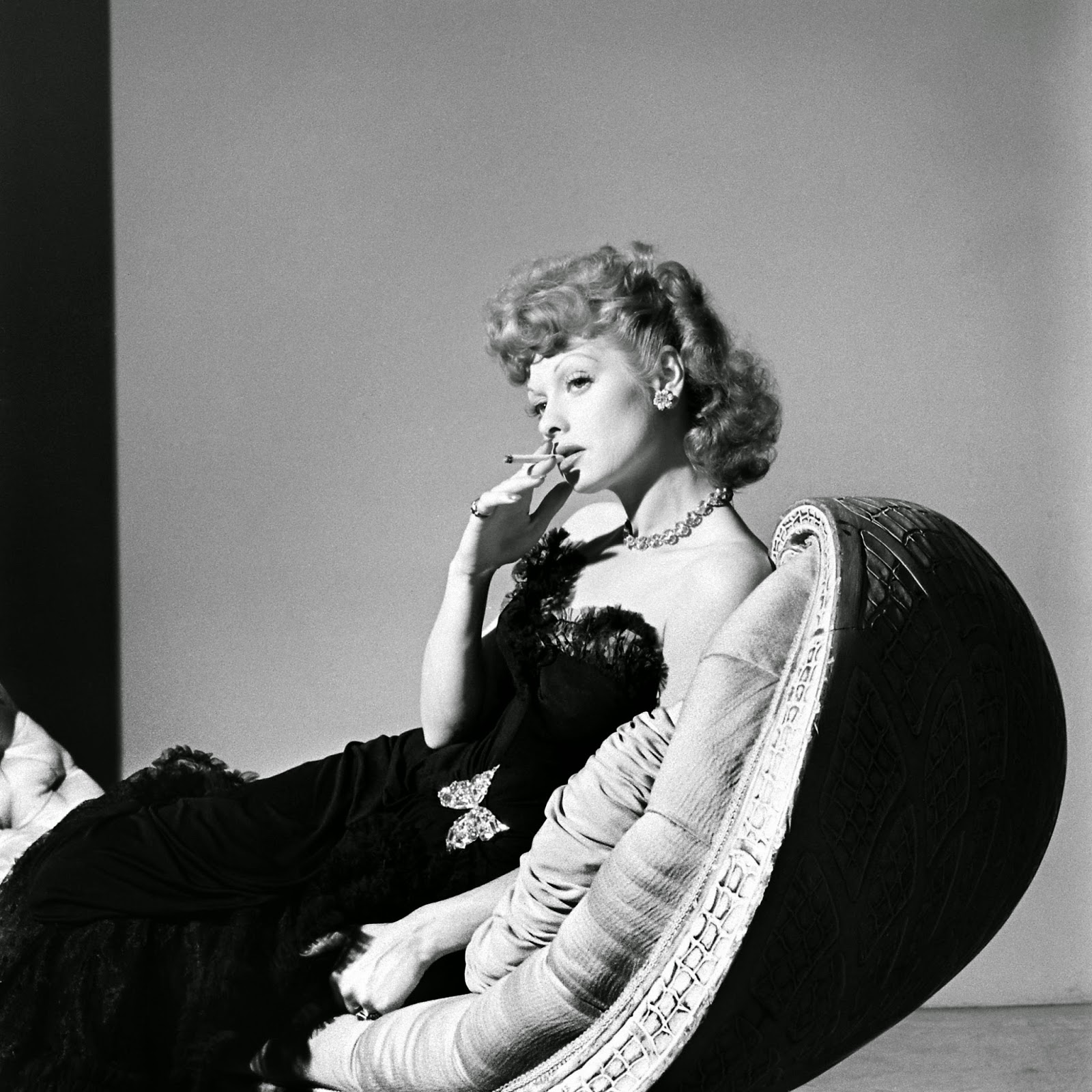 Glamorous Black And White Photos Of Lucille Ball From The