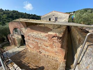 Varignano Roman Villa - cistern outside (Le Grazie, Italy)