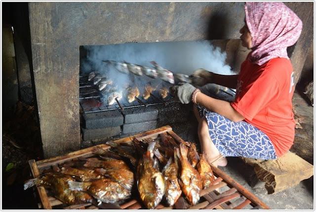 ikan bakar sambal petis;10 Top Kuliner Situbondo