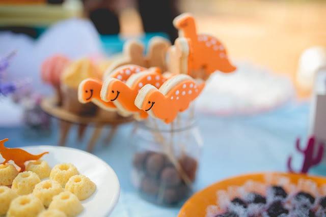 Aniversário Tema Dinossauro - Meninas - DIY - Raining Sugar - Biscoitos Amanteigados - Dinossauro