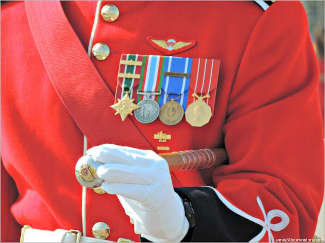 Detalles del Uniforme de Gala de un Soldado de la Ciudadela de Quebec