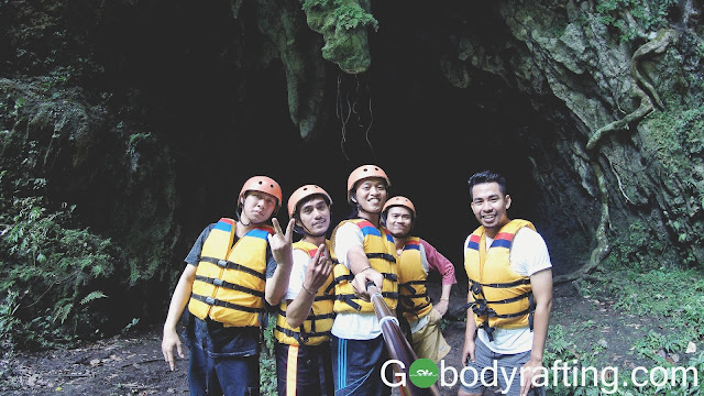 strart poin body rafting green canyon dari depan goa