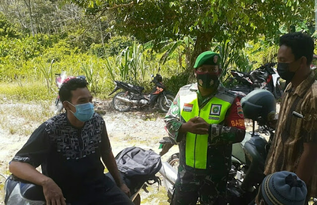 Babinsa Edi Sufriyadi Himbau Warga Desa Harapan Jaya Disiplin Terapkan Prokes