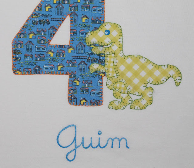 camiseta cumpleaños 4 años tiranosaurio