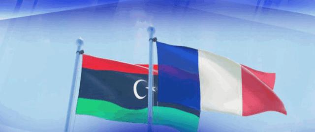 كشفت الحركية الدبلوماسية التي شهدتها الجزائر خلال الأسبوع المنصرم، بشأن الأزمة الليبية، أن العلاقات الجزائرية الفرنسية لا تزال تمر بأزمة غير مسبوقة، وذلك رغم التهنئة التي قدمها الرئيس الفرنسي إيمانويل ماكرون، لنظيره الجزائري عبد المجيد تبون، بعد فوزه بالانتخابات الرئاسية الأخيرة.