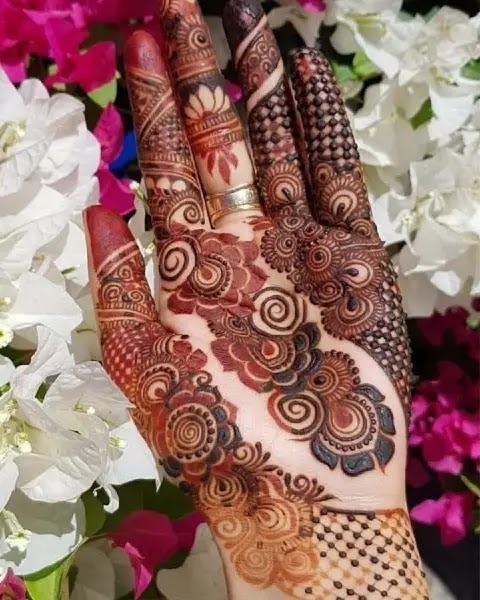 flowers-and-jewelery-henna-for-front-hand-side