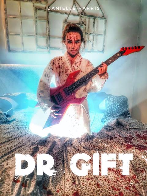 DR. GIFT: Danielle Harris sorprèn a la primera imatge oficial de la pel·lícula
