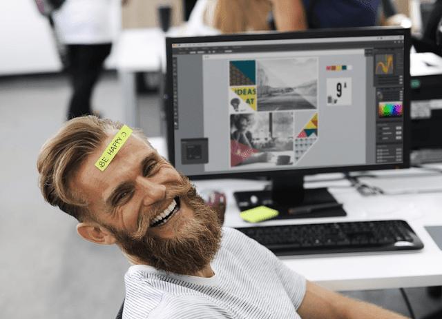 Tersenyumlah Saat Bekerja