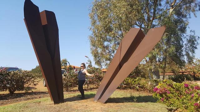 BIG Paper Planes in Port Hedland   Australian BIG Things