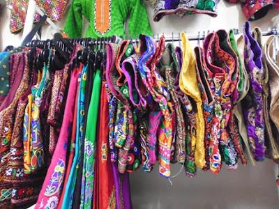 Baju tradisional India