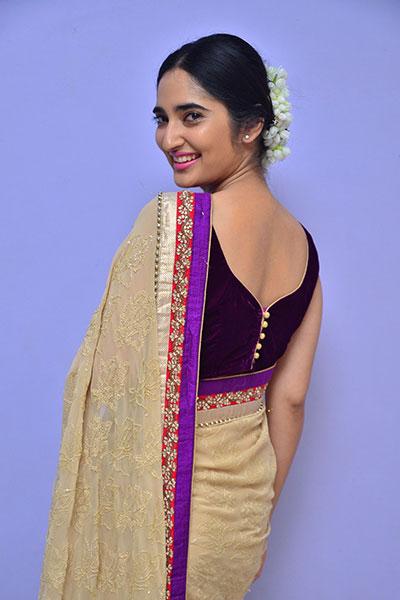 Indian actress pics in sleeveless saree