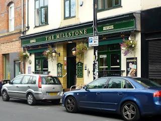 Great pub, full late afternoon, mature custom, elderly karaoke singers who can sing geriokeh
