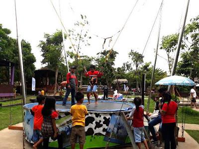 permainan trampolin di kepanjen malang