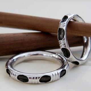 Chiếc nhẫn lông đuôi voi đem lại nhiều may mắn