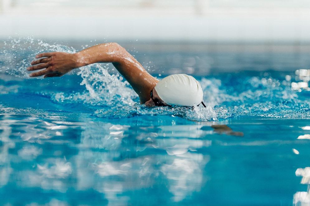 هكذا توثر ممارسة رياضة السباحة على جسدك ستتفاجئ !