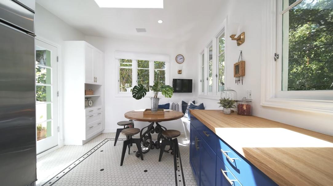 33 Interior Design Photos vs. 9800 Yoakum Dr, Beverly Hills, CA Luxury Home Tour