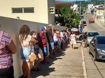 DONA INÊS/PB - Populares reclamam de descaso com beneficiários do auxilio emergencial