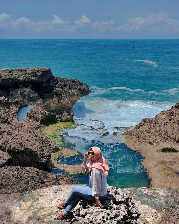 Fasilitas Wisata di Pantai Kedung Tumpang