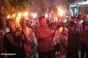 Cegah Corona, Masyarakat Juli Paseh Pawai Obor Sambil Lantunkan Doa Tolak Bala