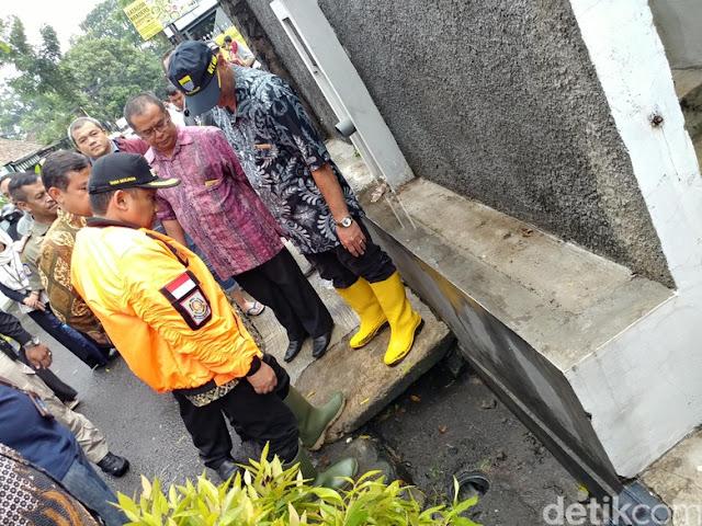 Pemkot Bandung Ancam Cabut Izin 2 Restoran Pembuang Limbah